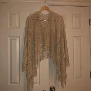 Sweaters - 🌼 Country Girl Fringed Poncho 🌼
